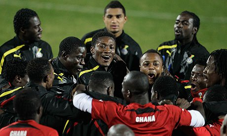 Ghana-players-dance-and-s-006