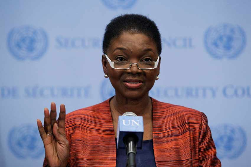 Valerie Amos, UN Under-Secretary-General for Humanitarian Affairs and Emergency Relief Coordinator, briefs journalists following closed-door Security Council consultations on the situation in Syria. Credit: UN Photo/JC McIlwaine