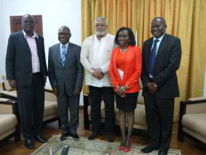 President and Mrs Rwlings pose with the UEW Delegation