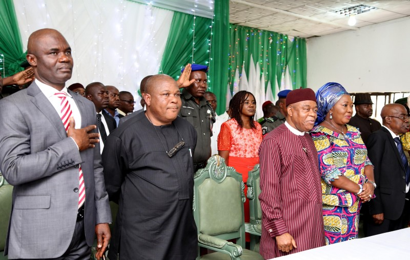 Abia State Governor Theodore Orji (middle) flanked from L-R by Rt. Hon. Ude Okochukwu, Speaker, Abia state House of Assembly, Sen. Emma Nwaka, State PDP Chairman, Lady Mercy Orji, wife of the governor and Sir Emeka Ananaba, deputy governor at the swearing-in of the 17 LGA Transition Committee Chairmen in Umuahia.