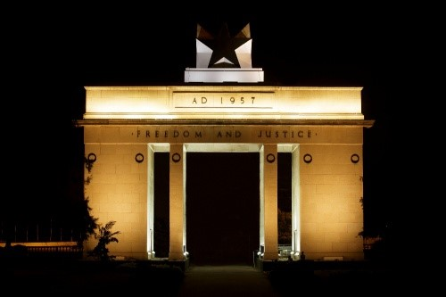 Philips revitalizes historic Black Star Monument in Accra with spectacular digital LED illumination ?