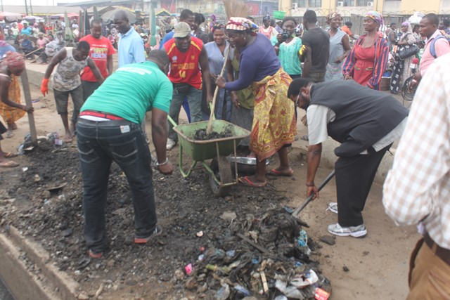 Accra Mayor involved in the clean-up exercise