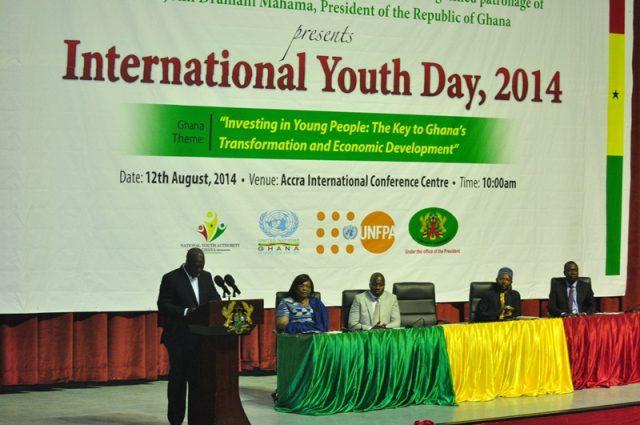 PRESIDENT MAHAMA CELEBRATES INTERNATIONAL DAY WITH THE YOUTH OF GHANA AICC CREDITGNA PHOTOS DANIEL LANQUAYE 4