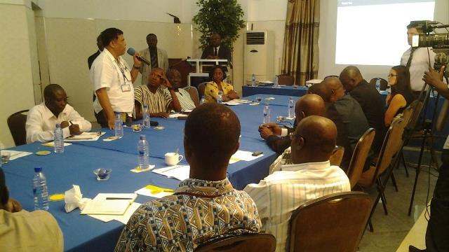 participants explaining a point.