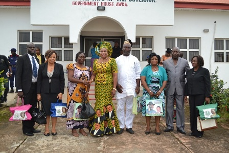 Mrs Obiano and the NYSC team