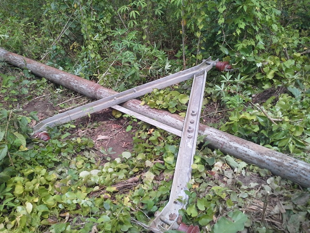 For the past 17 days a crinminal syndicate has been stealing power cables from Obuasi. The worst affected area is a water pumping station at Jimiso in Obuasi where as many as (as at today) today 21 poles carrying power have been cut and the copper stolen. This has affected AGA, communities and hospitals.