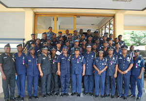 The IGP in a pose with the outstanding personnel.