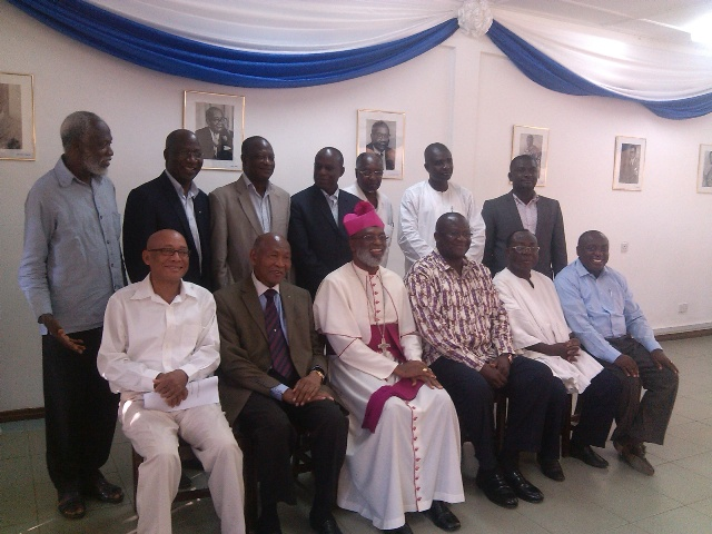 Members of the IEA-WTA Advisory Committee in a group picture with National Executives of NPP