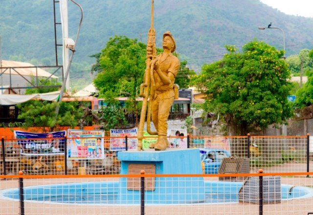 Symbol of Obuasi mine - Miners' Roundabout