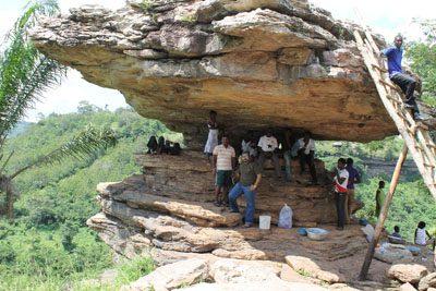 Umbrella Rock, Boti Falls