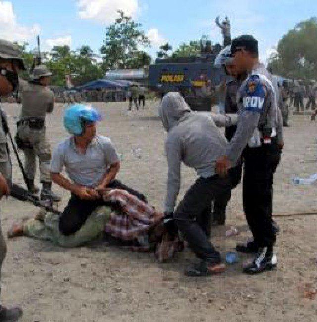 wpid-Indonesian20police20deny20shooting20at20Papua20protestors.jpg