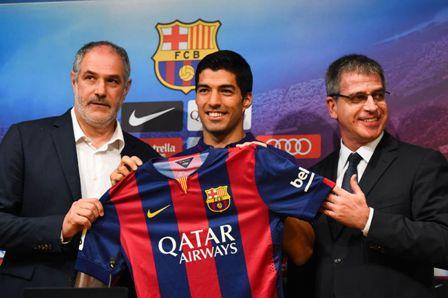 Luis-Suarez-unveiling-at-Barcelona