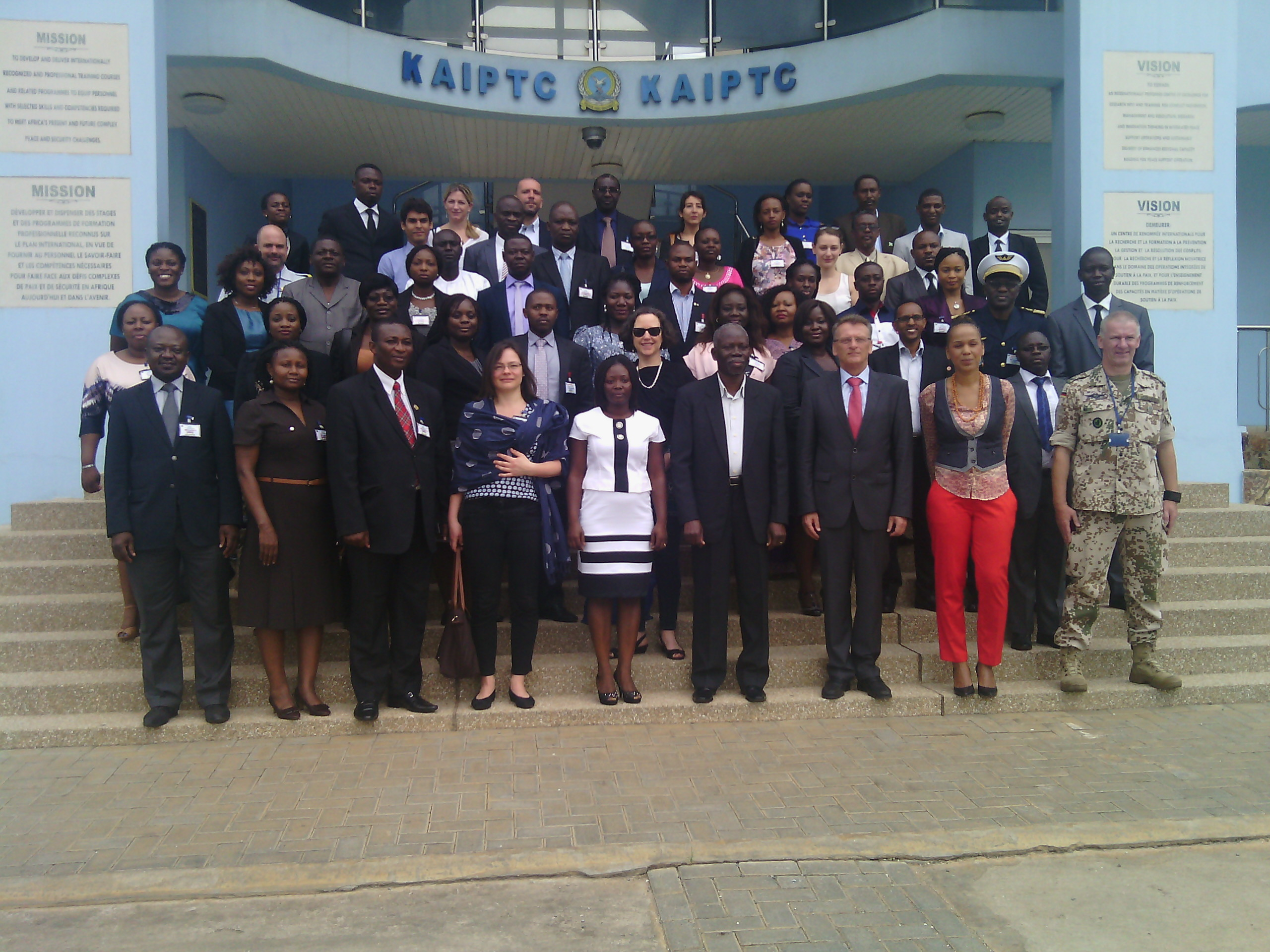 KAIPTC group photo of dignitaries and participants