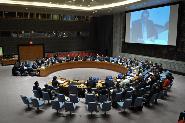 The UN Security Council hears a briefing by UN Special Adviser JamaL Benomar via video link from Doha, during the council's emergency meeting on the situation of Yemen, at the UN headquarters in New York, on March 22, 2015. The UN Security Council on Sunday adopted a presidential statement on Yemen, voicing support for Yemeni President Abdo Rabbo Mansour Hadi and calling upon all parties to refrain from taking actions that undermine the legitimacy of the president. (Xinhua/Niu Xiaolei)
