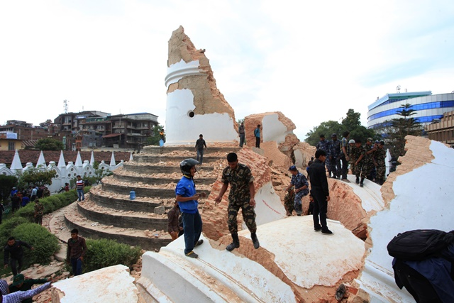 Dharahara is collapsed after an earthquake in Kathmandu, capital of Nepal, on April 25, 2015. Death toll in Nepal climbed to 711, the country's Home Ministry said Saturday afternoon, hours after a major earthquake struck the country. (Xinhua/Sunil Sharma)