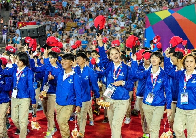 Chinese Taipei Delegation march into the Memorial Coliseum, during the Opening Ceremony of the Special Olympics World Games in Los Angeles, the United States, July 25, 2015. The 2015 Special Olympics World Games gathers over 6,500 athletes from 165 countries and regions, taking part in 25 events, and lasts from July 25 to August 2.(Xinhua/Zhang Chaoqun)