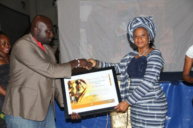 Derek Boateng (Brands Manager, Indomie) presents Awards to     OUTSTANDING FEMALE DOCTOR - Dr Afisah Zakariah