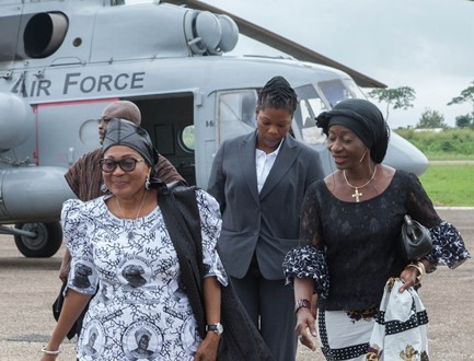 mahama-and-wife-at-funeral-31-433x330