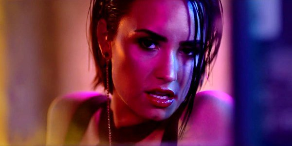demi-lovato-flaunts-amazing-body-in-cool-for-the-summer