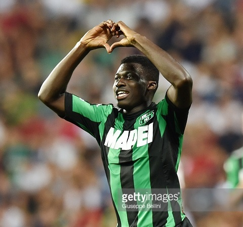 Alfred Duncan celebrates his goal for Sassuolo