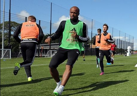 Ayew going throug the paces in training