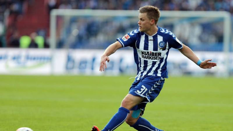 Philipp Max is set to replace Baba Rahman at Augsburg