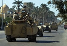 Egyptian soldiers patrol near the sites attacked on Jan. 29, in Arish, North Sinai Province, Egypt, on Jan. 31, 2015. UN Secretary-General Ban Ki-moon on Saturday strongly condemned Thursday's terrorist attacks in Sinai, Egypt, of which the death toll rose to 33. (Xinhua/Ahmed Gomaa)