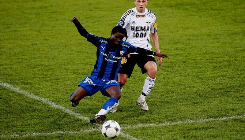 Anthony Annan playing for Stabaek against Rosenborg BK in 2008