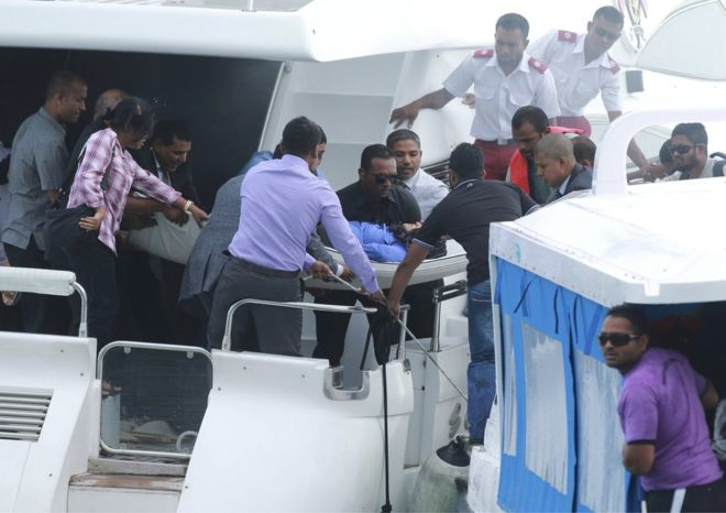 The Maldives' first lady Fathimath Ibrahim (centre) reportedly had minor injuries and was sent to a hospital