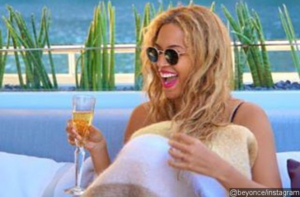 beyonce-appears-to-slam-pregnancy-rumors-with-new-pic