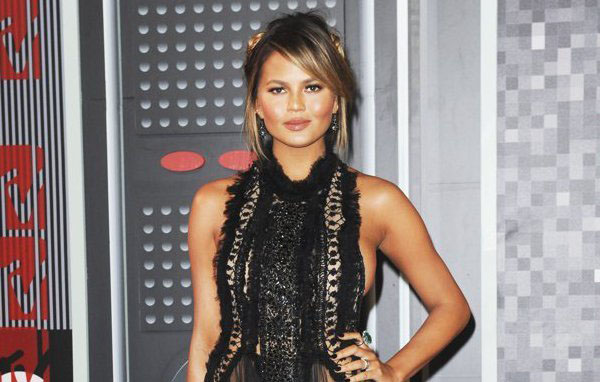 chrissy-teigen-relieved-about-going-public-with-fertility-struggles