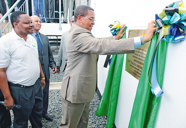 President Jakaya Kikwete unveils a plaque to inaugurate the Kinyerezi power plant in Dar es Salaam last week. Power blackouts have contributed to a decline in the contribution of the manufacturiung sector to the economy in the second quarter of this year, according to the National Bureau of Statistics. (File Photo)