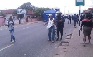 wpid-The-police-arresting-one-of-the-demonstrators-300x185.jpg