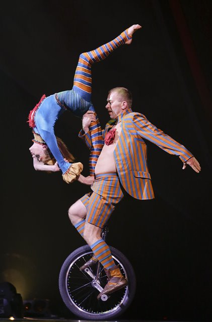 """Performers of Cirque du Soleil take part in a full dress rehearsal in Vancouver, Canada, Oct. 28, 2015. Performers and acrobats of Cirque du Soleil's show """"Kooza"""" made their final dress rehearsal before their Vancouver tour which starts on Thursday. (Xinhua/Liang sen)"""