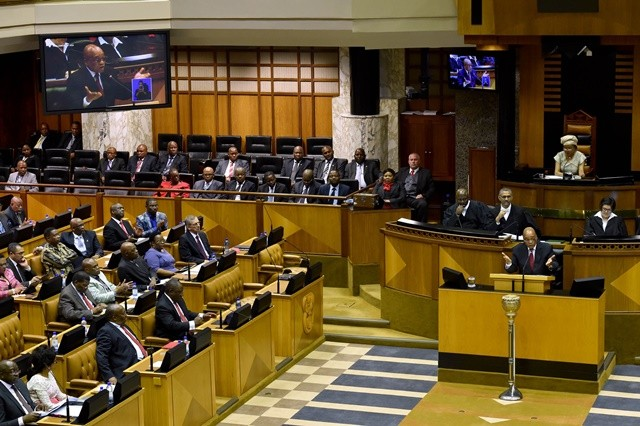 South African President Jacob Zuma (R Front) responds to parliamentary questions in Cape Town, South Africa, on Nov. 19, 2015.  South Africa engages with all the role players in the Palestinian-Israeli conflict with concerns over the future of Palestine, President Jacob Zuma said during his responding to a parliamentary question about the signing of an agreement between the leadership of Hamas and South Africa's ruling African National Congress (ANC) party in October. (Xinhua/Elmond Jiyane)