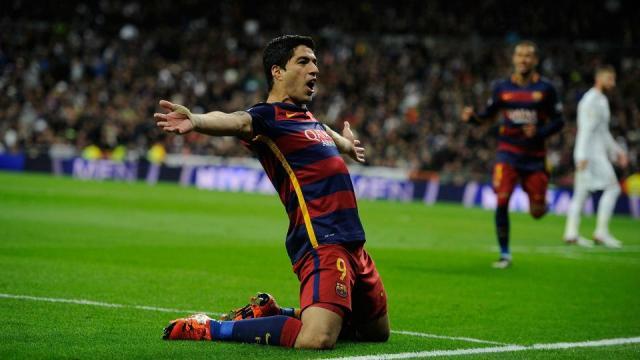 Suarez on brace as Barca trounce Real