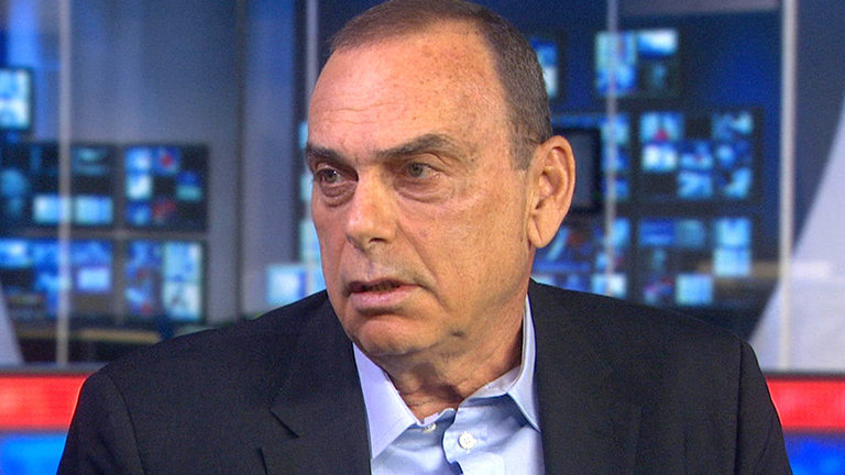 Avram Grant, the man who replaced José Mourinho at Stamford Bridge after his first spell ended acrimoniously in 2007, feels the Portuguese deserves to be given more time to turn things around