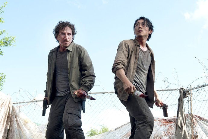 the-walking-dead-glenn-s-voice-at-th-e-end-of-the-last-episode