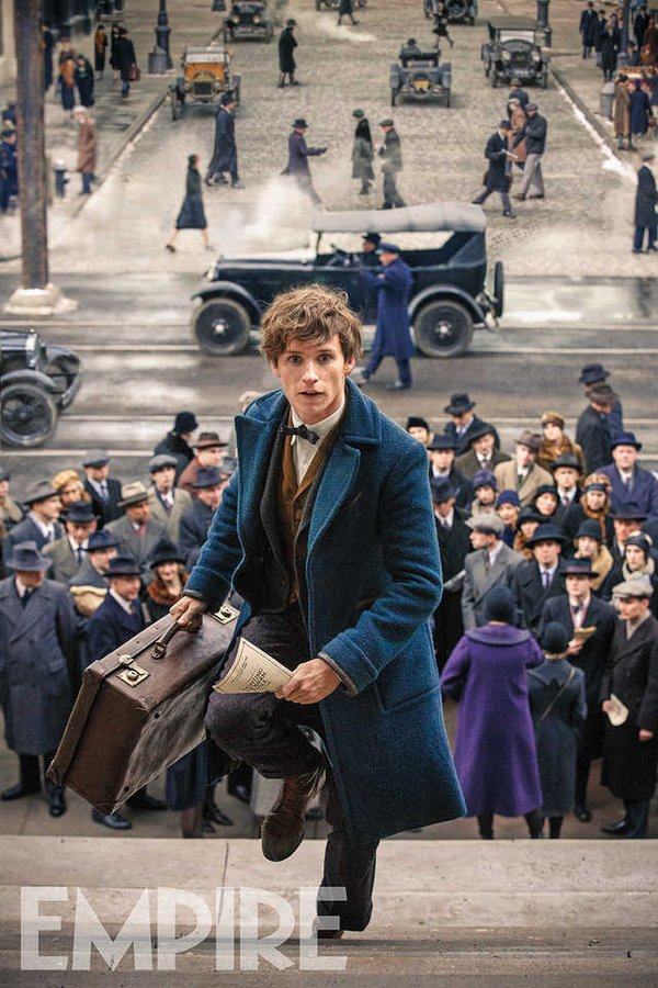 fantastic-beasts-and-where-to-find-them-photo-eddie-redmayne-in-1920s-new-york