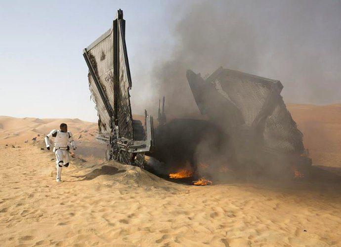 star-wars-the-force-awakens-crosses-1-billion-at-box-office