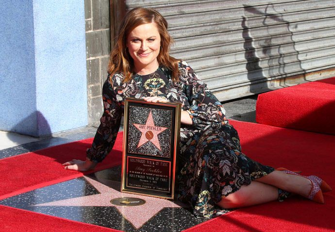 amy-poehler-gives-funny-speech-at-her-hollywood-walk-of-fame-ceremony
