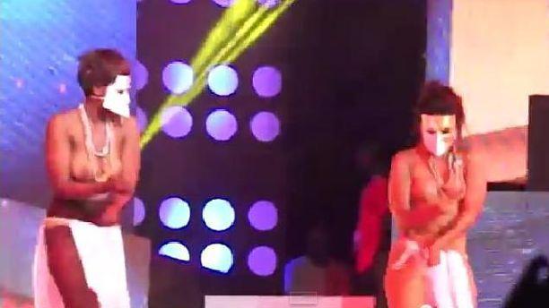 Akoo-Nanas-naked-dancers_opt