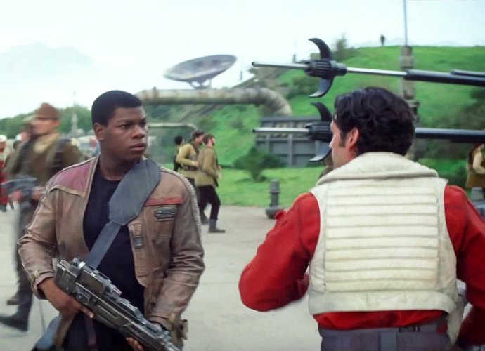star-wars-the-force-awakens-remains-box-office-champ-with-41-6-million