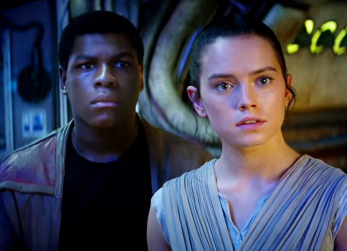 star-wars-the-force-awakens-tops-titanic-at-domestic-box-office