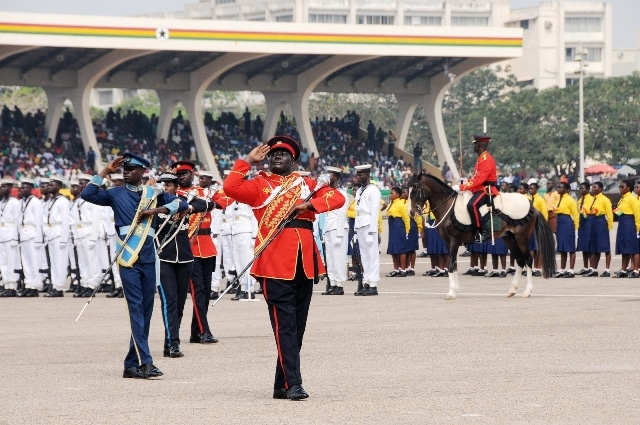 Ghana's military band salute President John Dramani Mahama during Ghana's 59 Independence Day celebration at the Independence Square in Accra, capital of Ghana, March 6, 2016. British colony Gold Coast declared her independence on March 6, 1957 and renamed herself Ghana. (Xinhua/Lin Xiaowei)