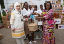FIRST LADY MRS LORDINA MAHAMA AND EMINE ERDORGAN PRESENTING ITEMS TO VOCATIONAL INSTITUTION