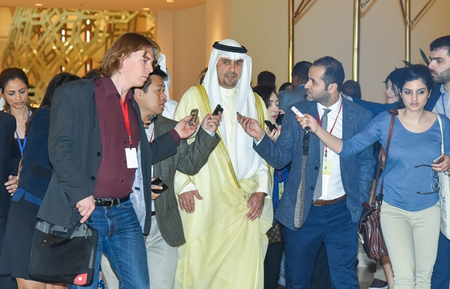 Kuwaiti Minister of Finance and Minister of Oil Anas al-Saleh (C) arrives for the Organization of Petroleum Exporting Countries (OPEC) and non-OPEC oil producers meeting at Doha Sheraton Hotel in Doha, capital of Qatar, April 17, 2016. (Xinhua/Nikku)