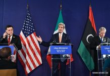 VIENNA, May 16, 2016 (Xinhua) -- Libyan Prime Minister Fayez Serraj, U.S. Secretary of State John Kerry and Italian Foreign Minister Paolo Gentiloni (L to R) attend a news conference after a conference on the issue of the Islamic State (IS) in Libya, in Vienna, capital of Austria, on May 16, 2016. Leading foreign ministers from Europe and the Middle East met in the Austrian capital on Monday under the joint chairmanship of the United States and Italy to discuss how to bolster support for Libya's unity government in the face of deepening splits in the country over political legitimacy and growing threats by the Islamic State (IS). (Xinhua/Qian Yi)