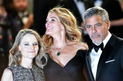 AFP/File / Alberto Pizzoli US director Jodie Foster (L), US actress Julia Roberts (C) and US actor George Clooney after the screening of the film