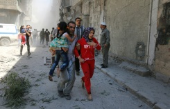 AFP/File / Ameer Alhalbi Under pressure from Russia and the United States, the Syrian army agreed to respect a two-day truce in the war-ravaged city of Aleppo